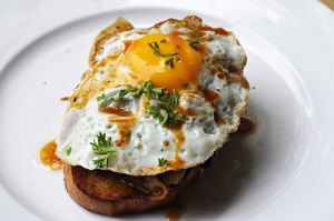 Egg on toast_Roving I