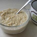 Oatmeal in pyrex bowl_Tulip Girl