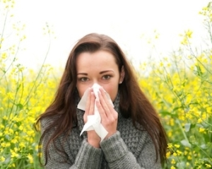 Woman sneezing_Womens Hlth Mag