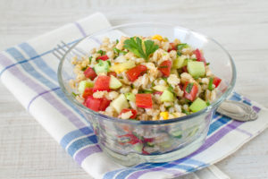 Barley cucumber salad with red peppers