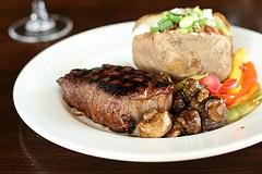Steak dinner witih baked potato
