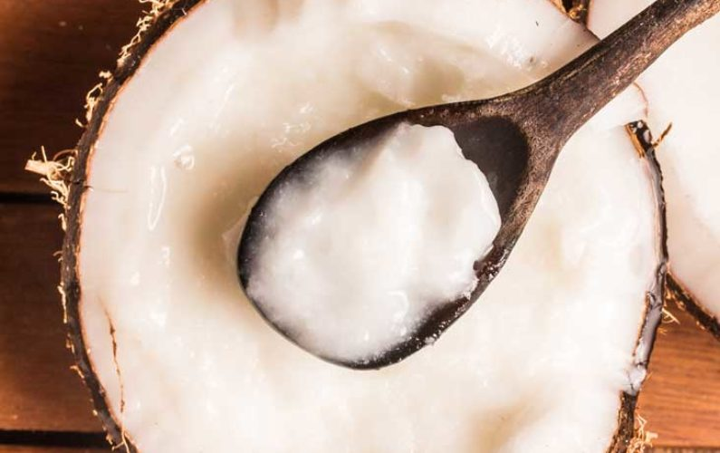 AN367-coconut-oil-spoon-732x549-Thumb