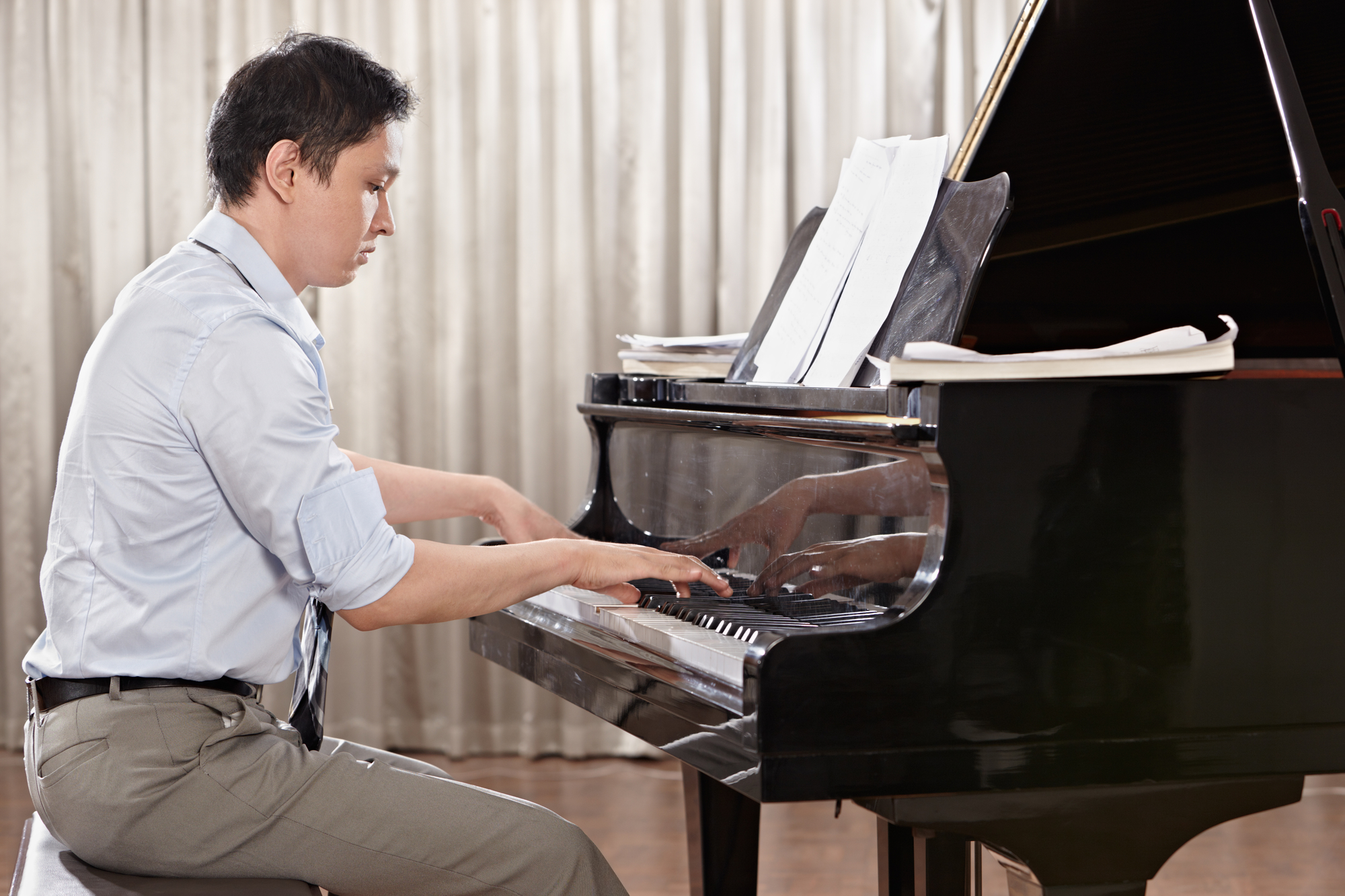 Piano playing - Is It Possible To Exercise Your Brain? YES!