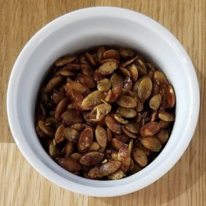 Toasted cinnamon pumpkin seeds