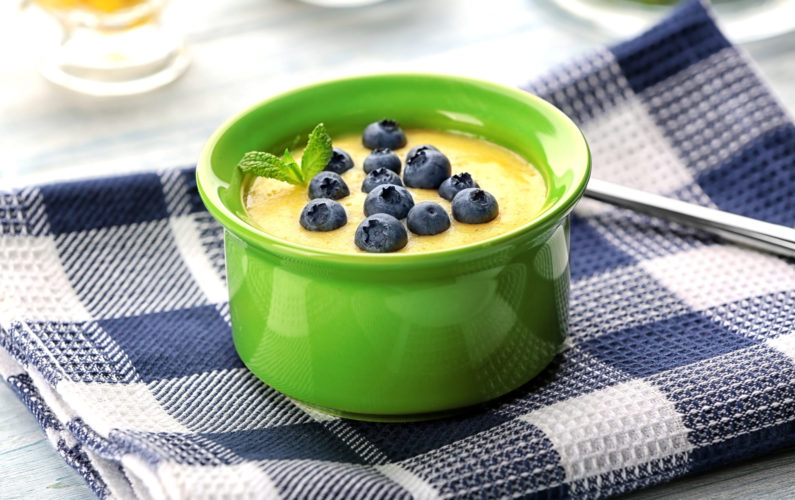Cornmeal porridge with blueberry on napkin